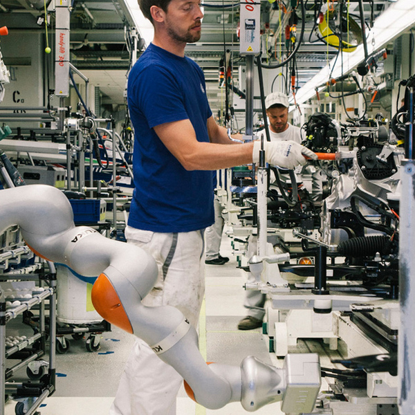 People and Robots: a (not always) easy coexistence
