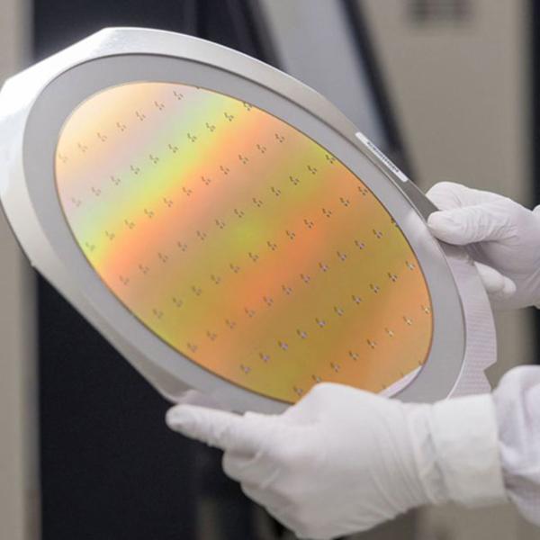 Chip su misura per le auto del futuro, ecco come nascono