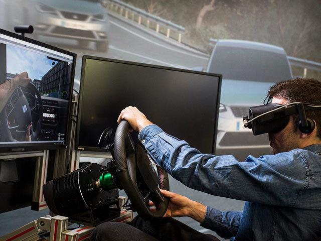Come si usa la realtà virtuale nell'industria dell'auto?
