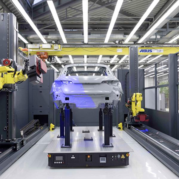 Robot con sensori ottici per il controllo qualità 4.0