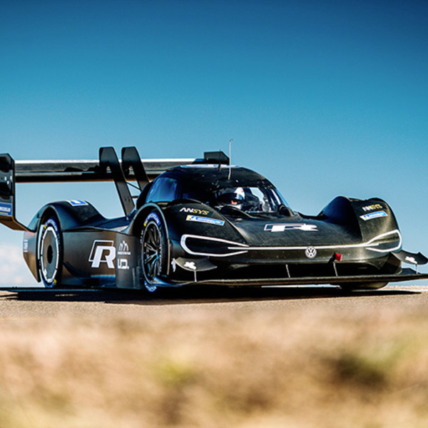 From motorsport to the road: the I.D. R Pikes Peak leads the way for e-mobility