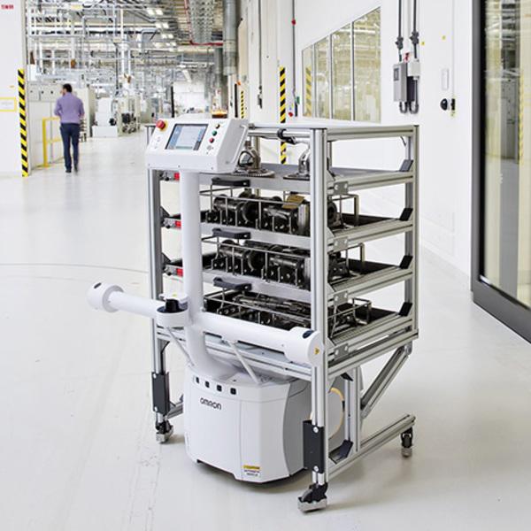 Industria 4.0, un robot completamente autonomo per trasportare i componenti