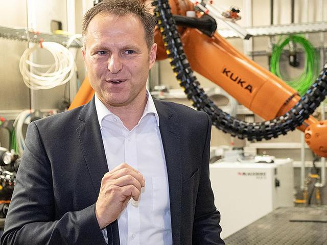 Le fabbriche del futuro, tra e-mobility e digitalizzazione