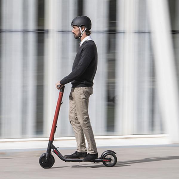 Verso la micromobilità del futuro: SEAT eXS KickScooter