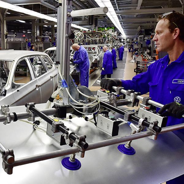 Volkswagen: the e-revolution also requires training