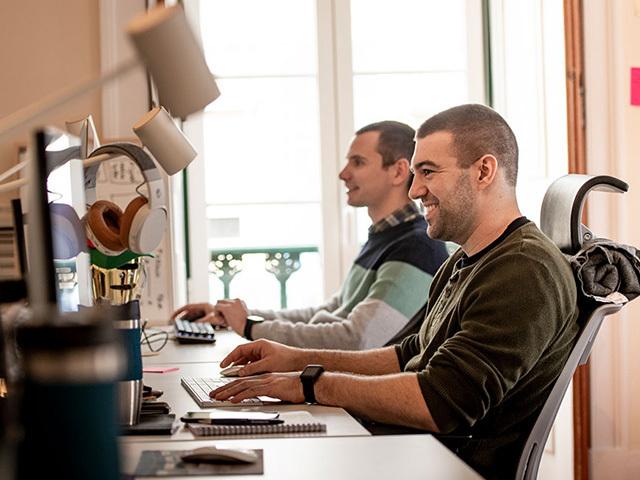Extreme programming: a new software development method