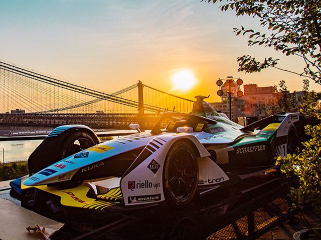 Vincere in Formula E? Bisogna bilanciare velocità ed efficienza