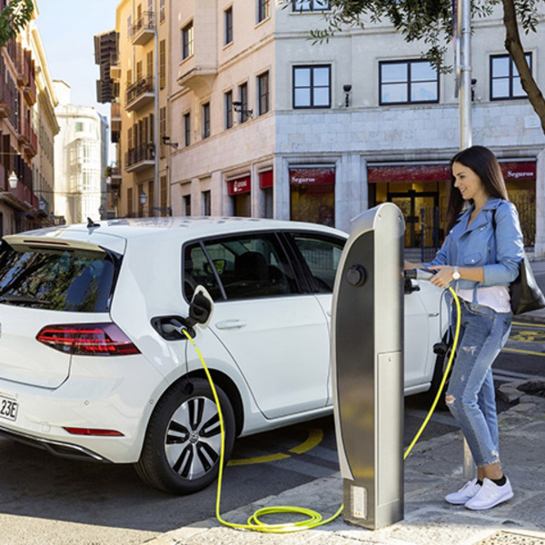 Electric cars: which are the subsidies available in Italy?