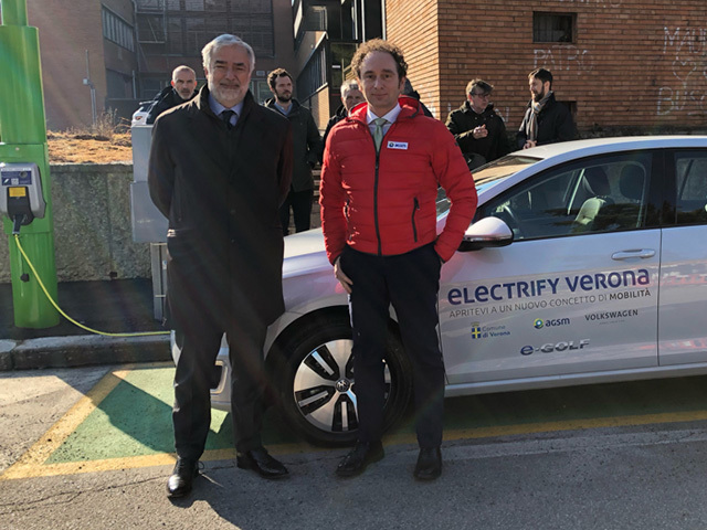 First smart fast-charging lamp poles of Europe installed in Verona