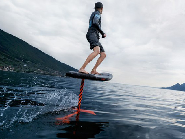 Flying on water with the Audi surfboard e-foil