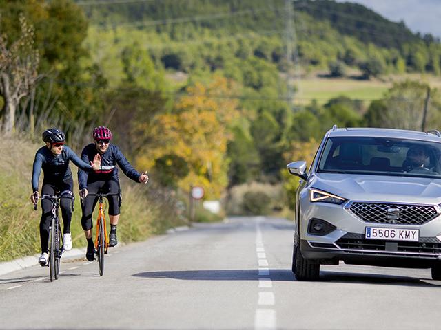 Ciclisti più al sicuro con il SUV SEAT che riconosce le bici