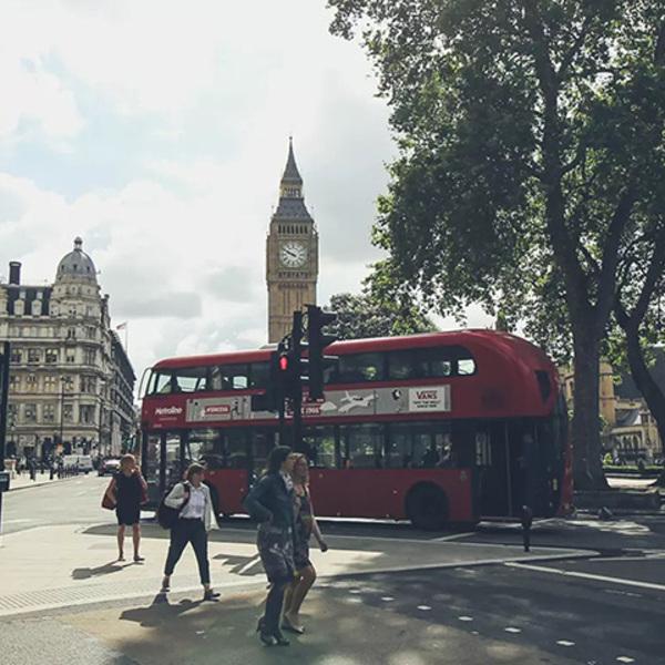Ride sharing, MOIA lancia un progetto pilota a Londra