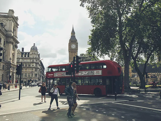 Ride-sharing: MOIA launches a pilot project in London