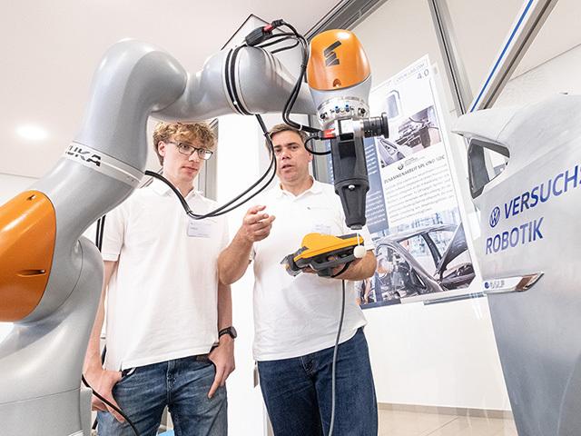 Robot e IoT: le innovazioni utili per la produzione