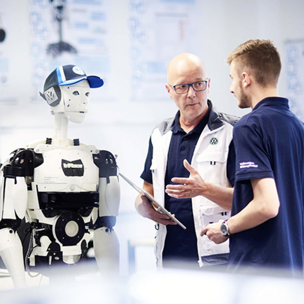 High-quality training and eye on the future: Volkswagen Educational Institute