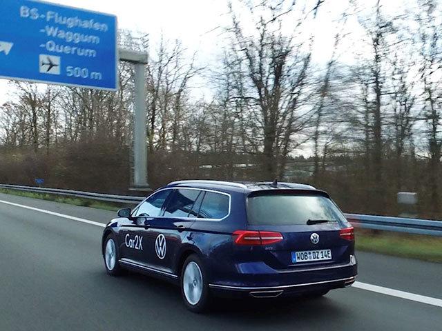 Un'autostrada intelligente per sviluppare Car2X e guida autonoma
