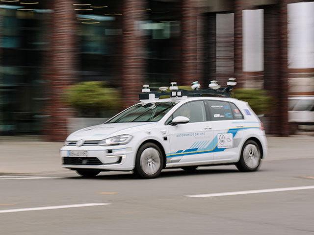 Guida autonoma in città, la sfida più difficile
