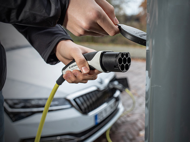 Batteries, charging and safety - more Q&As on electric mobility