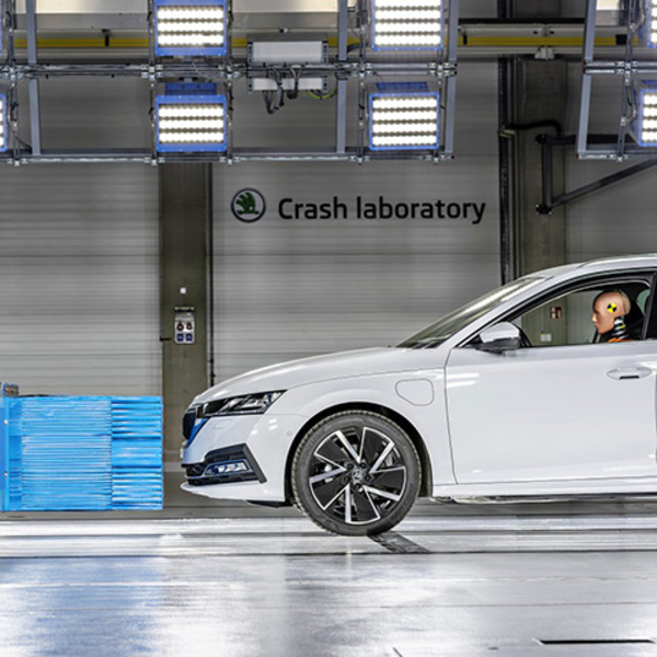 Crash test all'avanguardia nel laboratorio ŠKODA