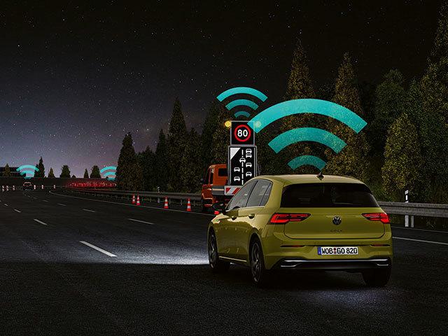 Connettività e sicurezza stradale: la tecnologia Car2X Volkswagen