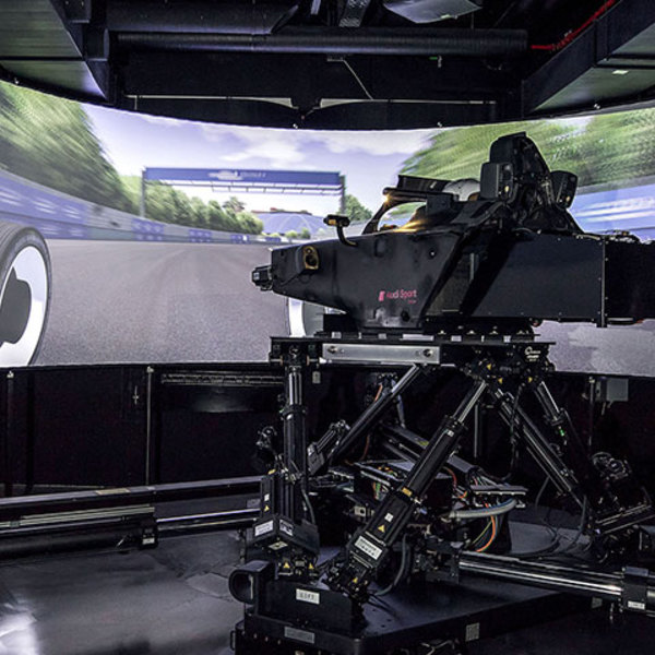 Formula E virtual tests: working with the dynamic driving simulator