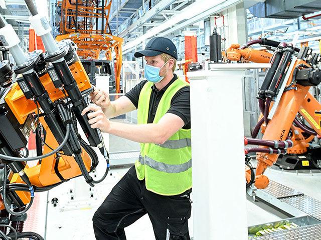 """Pronti per l'ID.BUZZ: la svolta """"elettrica"""" di Volkswagen Veicoli Commerciali"""