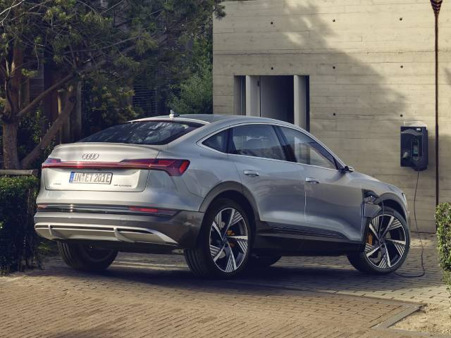 Audi, the smart charging that communicates with the grid