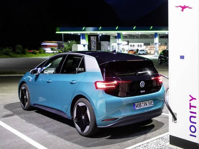 Elettrico o idrogeno: qual è il futuro dell'auto?