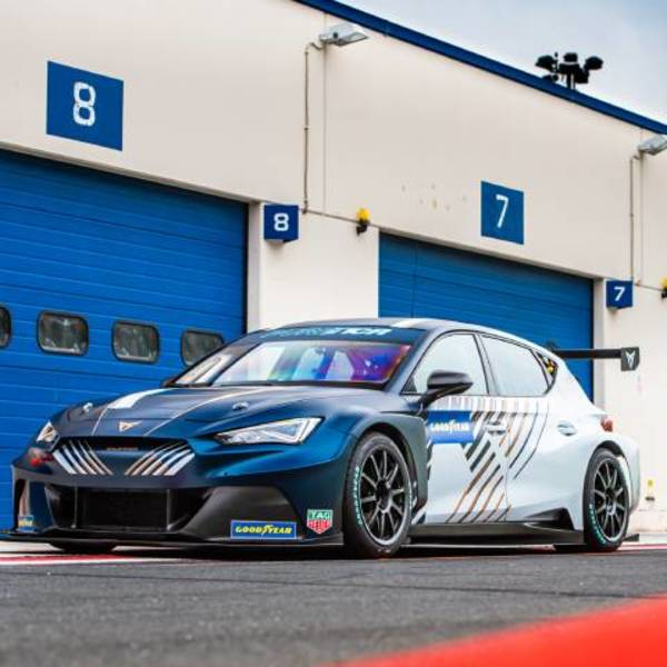 CUPRA e-Racer takes centre stage in PURE ETCR all-electric championship