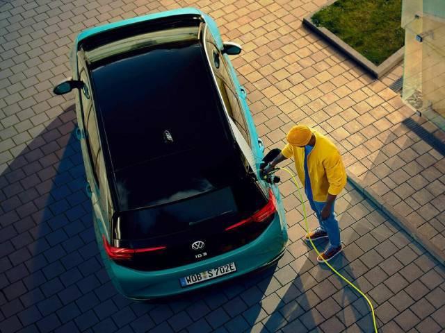 Auto elettriche e ricarica, ecco che cosa ci attende nel prossimo futuro