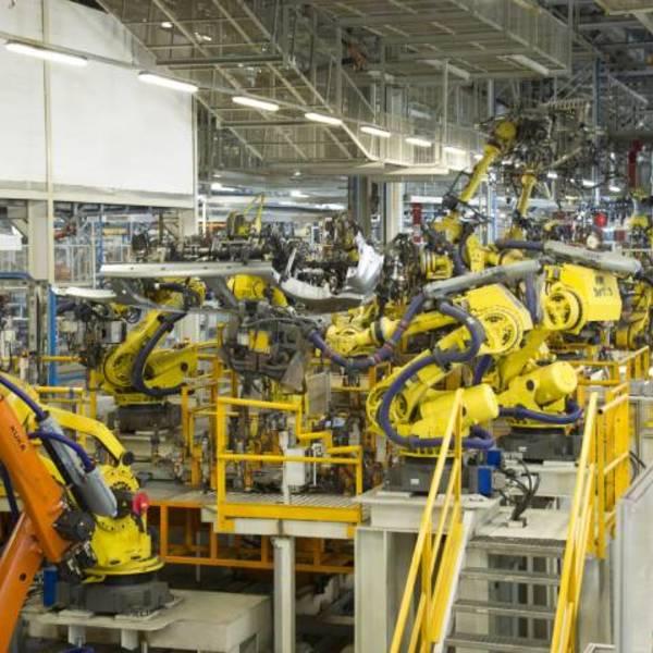 Smart Factory: manutenzione predittiva integrata nel cloud per i robot SEAT